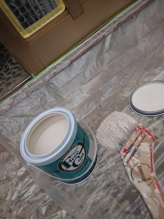 昭和レトロ参加型リフォーム 玄関の塗装道具