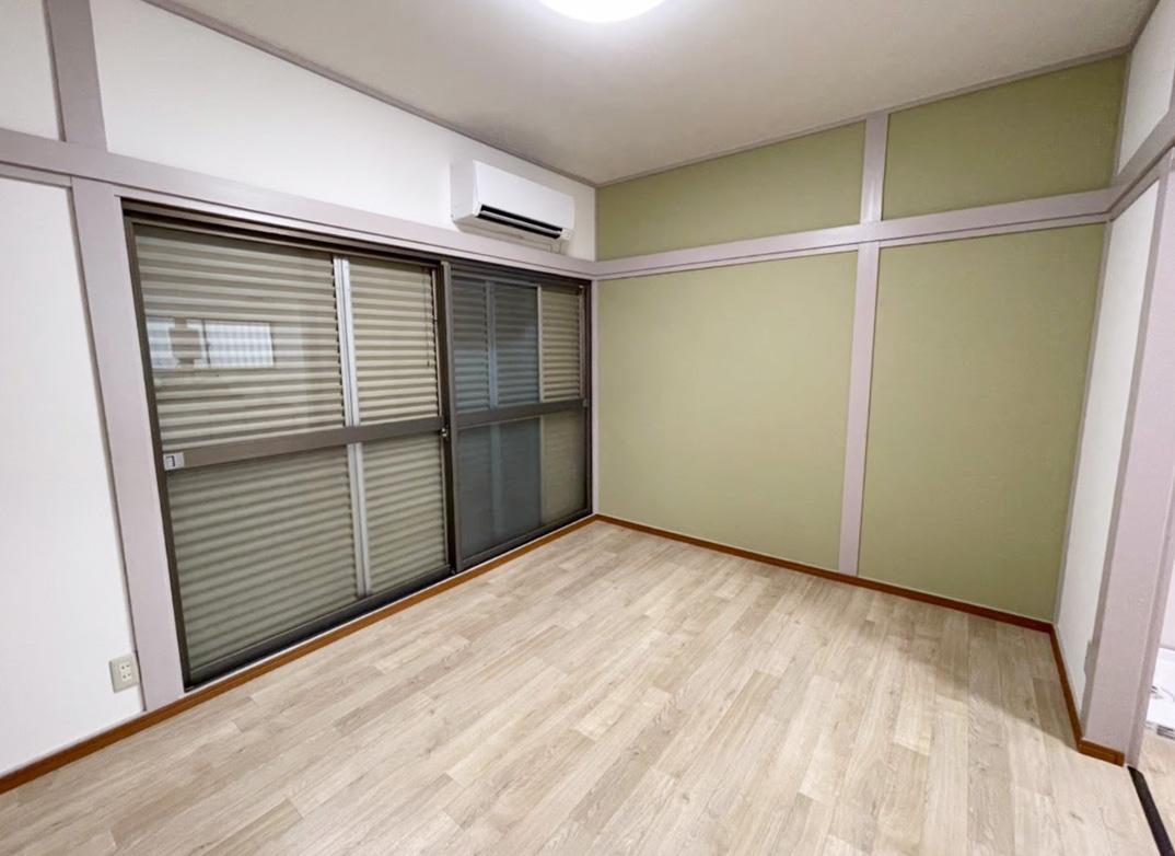 古い木造アパートの一室を改装